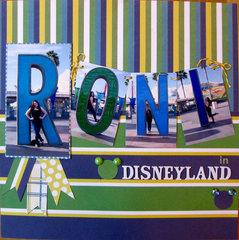 Roni in Disneyland