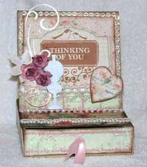 easel box card {Prima Tea thyme}