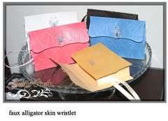 Faux Alligator Skin Wristlet Mini Tutorials