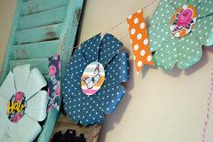 *We R* Flower Punch Board Garland