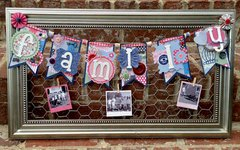 Family Banner Chicken Wire Frame