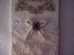 Shabby/Victorian Chic**Smile Sign*Detail View