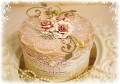 Shabby-Chic Box **Cheery Lynn Guest Designer**