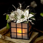 Poinsettia, Dahlia Christmas Tea Light Holder