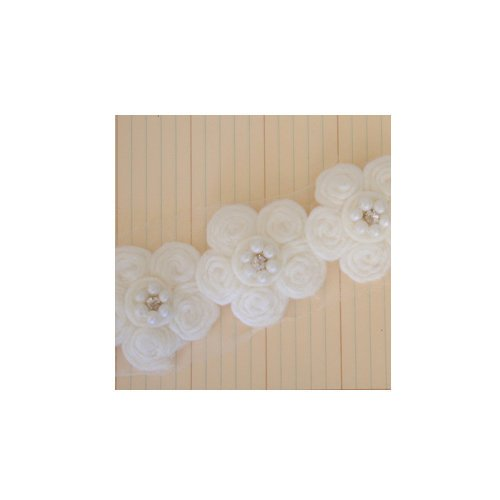 Maya Road - Trim - Antique Pearl Center Flower - 15 Yards
