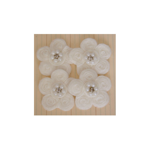 Maya Road - Antique Pearl Center Flowers - Cream