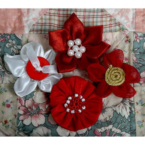Petaloo - Expressions Collection - Mini Fabric Flowers - Red