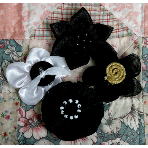 Petaloo - Expressions Collection - Mini Fabric Flowers - Black
