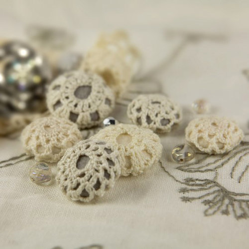 Prima - Cute as a Button Collection - Flower Center Embellishments - Precious