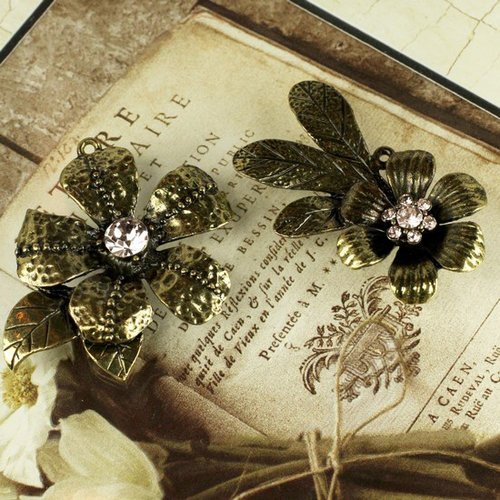 Prima - Vintage Trinkets Collection - Metal Embellishments - Flowers Mix 2