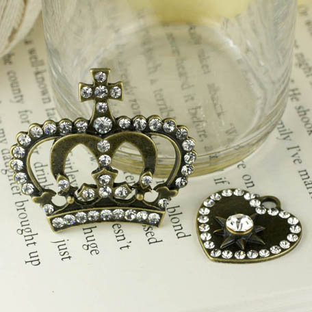 Prima - Tiny Treasures Collection - Metal Embellishments - Crowns