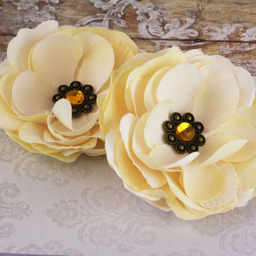 Prima - Aria Collection - Fabric Flower Embellishments - Ivory