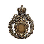 Spellbinders - A Gilded Life Collection - Pendant - Crowned Medallion