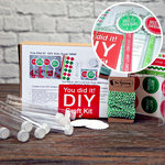 SRM Press Inc. - DIY Craft Kit - Christmas Mini Tubes