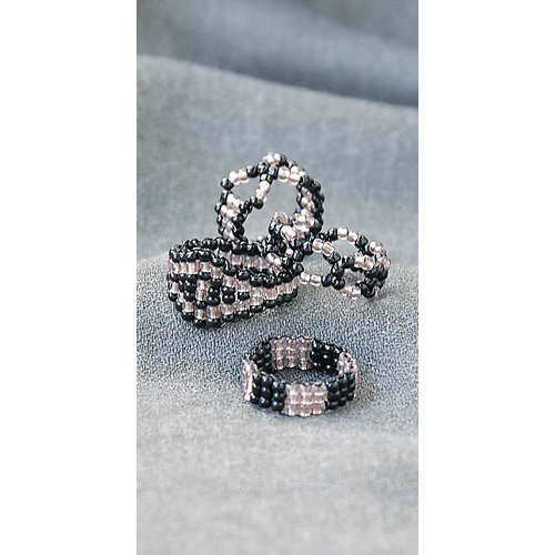 The Beadery - Jewelry Ring Kit - Seed Bead - Black and Mauve