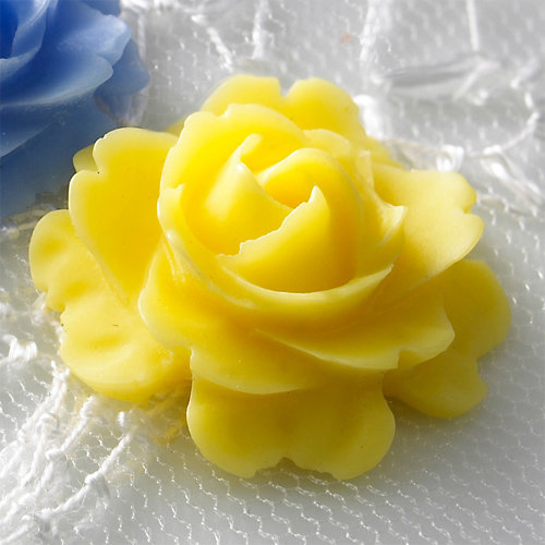 Websters Pages - Whimsies - Resin Embellishment Pieces - Roses in Bloom - Yellow